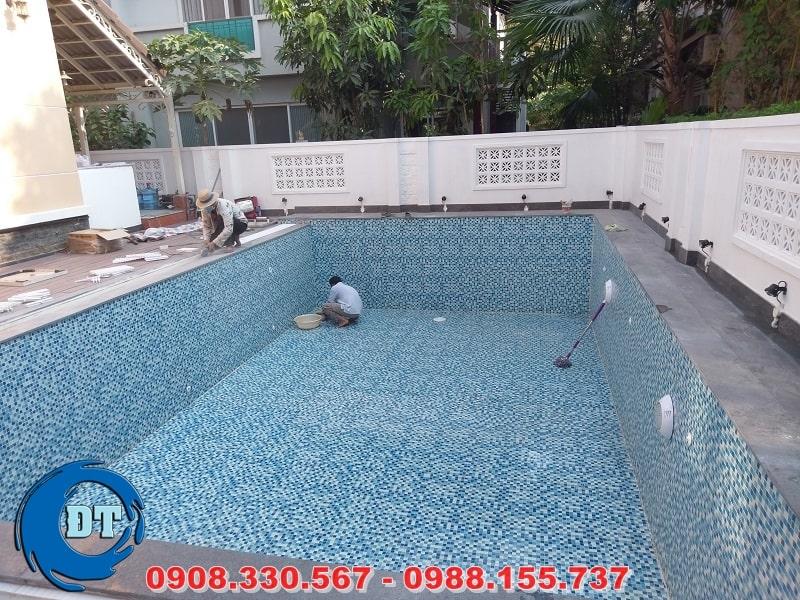 Lắp đặt thiết bị hồ bơi